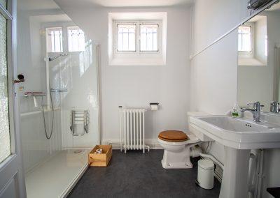 Studio Faire, The Resident's shower room
